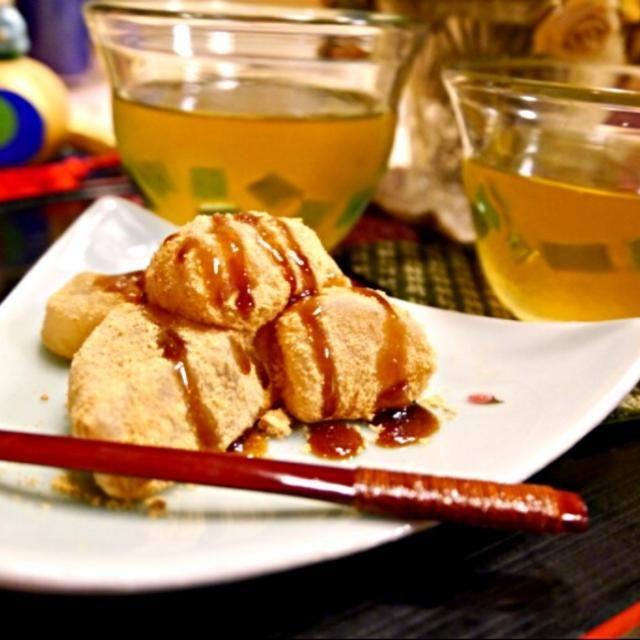 夫の大好物のわらび餅。 わらび粉を手に入れたので作ってみましたが… なかなか難しいですね 大好物なだけに、要求レベルが高いわ〜〜 - 173件のもぐもぐ - わらび餅 by meisui829