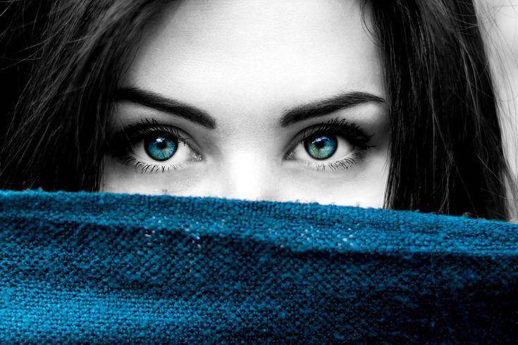 Die Farbe Blau gilt auch als die Farbe für geistige Entwicklung, Spiritualität und der Sehnsucht nach einer immateriellen Welt.
