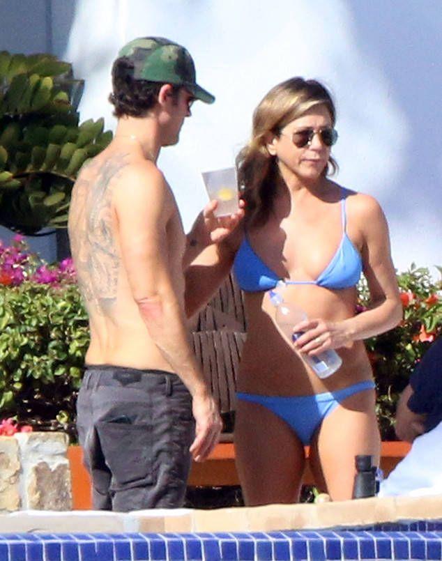 #Jennifer #Aniston Strips Down to a Bikini for Her #48th #Birthday.