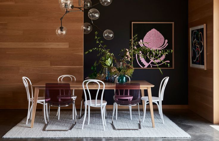 The beautiful dining room of Julia Green | The Design FIles