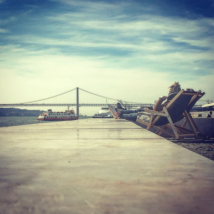 Lisboa requires long periods of meditation! Time to inspire the unique atlantic breeze together with sound of seagulls and Cacilheiros! #lisboa #riverfront #seabreeze #travel #traveller #sharelisboa #visitlisboa