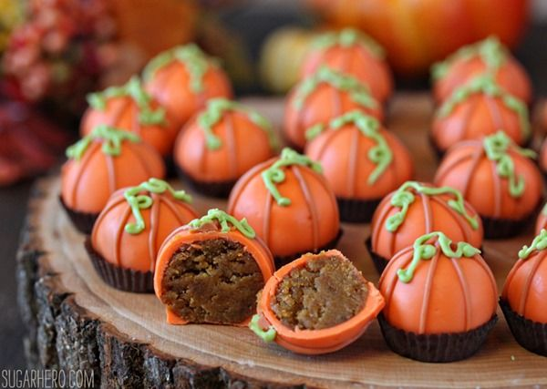 These adorable Pumpkin Bread Truffles are made from pumpkin bread and cream cheese frosting, and decorated to look like miniature pumpkins!