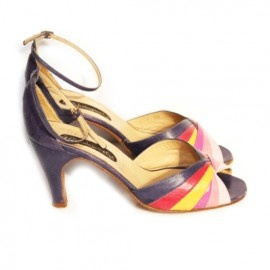 http://www.atticempire.com/a-24542156/home-attic-empire/dora-37-vintage-hoge-hakken-sandalen
