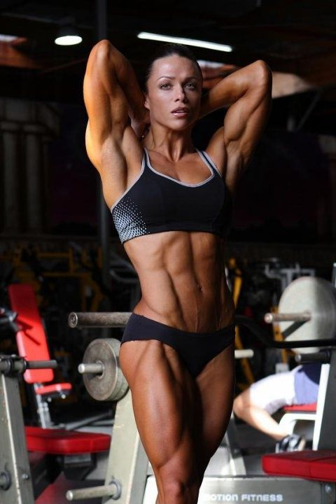 Female Bodybuilder via http://bodybuildernutrition.org/