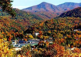 Gatlinburg in the fall. Have you ever seen something so gorgeous? It is breathtaking driving through these majestic mountains.: Fall Leaves, Favorite Places, Gatlinburgtn, Pigeon Forge, Beautiful Places, Gatlinburg Tennessee, Families Vacations, Gatlinburg Tn, Smoky Mountain