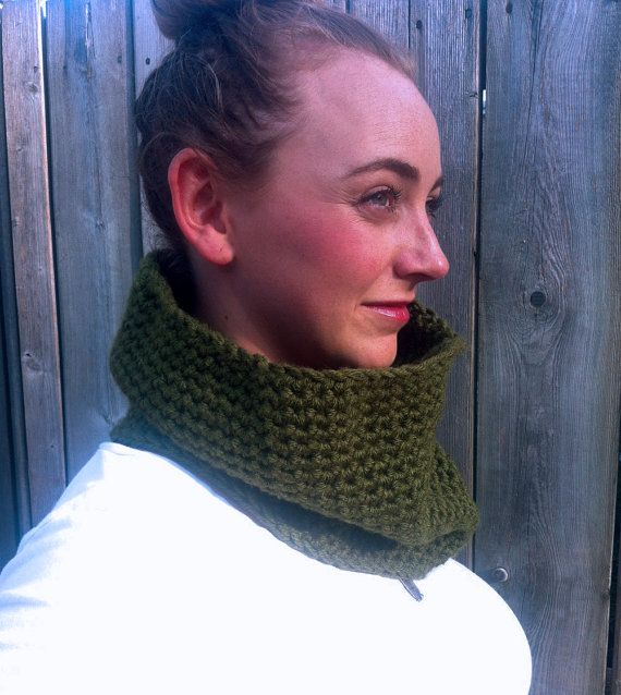 Vegan Cycling Cowl / OLIVE /