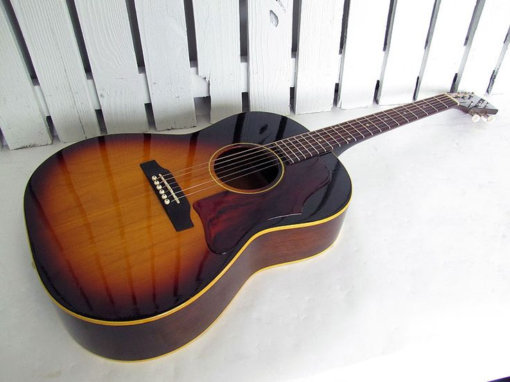 Gibson Acoustic Guitar- beauty