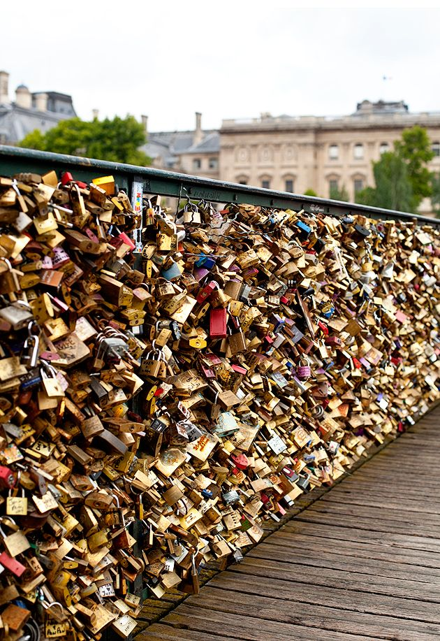 love locks bridge in paris