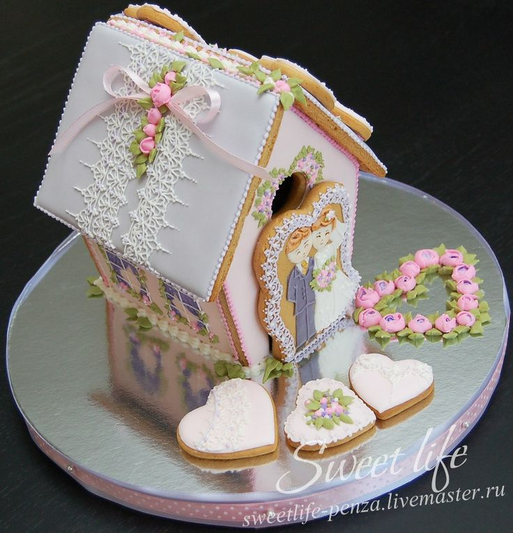GINGERBREAD HOUSE~Wedding gingerbread house