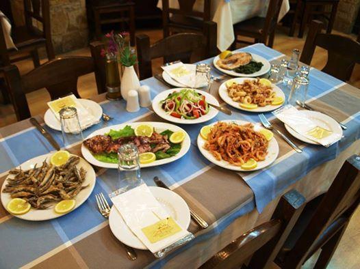 """Μενού θαλασσινών 6 πιάτων: €12/άτομο και το τσίπουρο ...κέρασμα, στον άρχοντα της εστίασης, το """"Χρήστο"""", στο Χαλάνδρι!"""