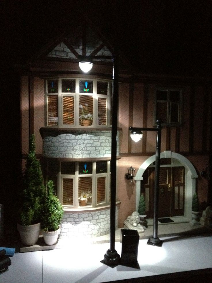 Jocelyn's Mountfield Dollhouse: Street Lamp Post Made Using Battery Operated Floral LED Lights