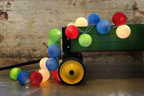 så färgglatt :) #cottonballights #cottonballs #leksak #present #produkt #färgglatt