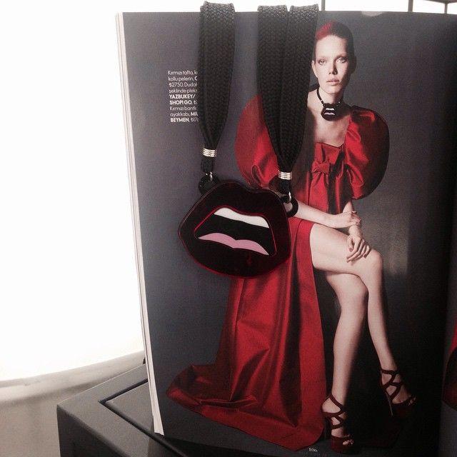 Yazbukey kolyemiz Elle'in Şubat sayısında. Styling @magazat / Our Yazbukey necklace on Elle's February issue. Styling @magazat