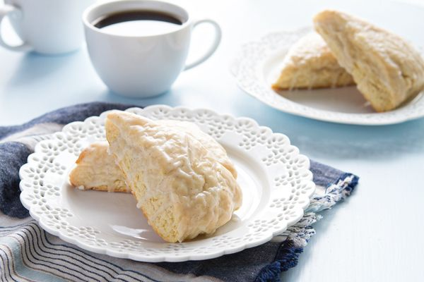 Glazed vanilla bean scones made with double creamy Aussie-style yogurt. They're SO good!