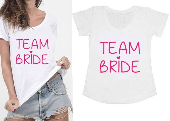 Camiseta Personalizada modelo tradicional ou Baby Look. Escolha sua frase e arrase com suas amigas no seu chá, making of, despedida de solteira!   Exemplos de frases: Bride of the Year, Team Brid...