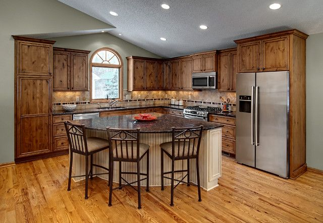 L Shaped Rustic Kitchen with Triangle Island with Seating