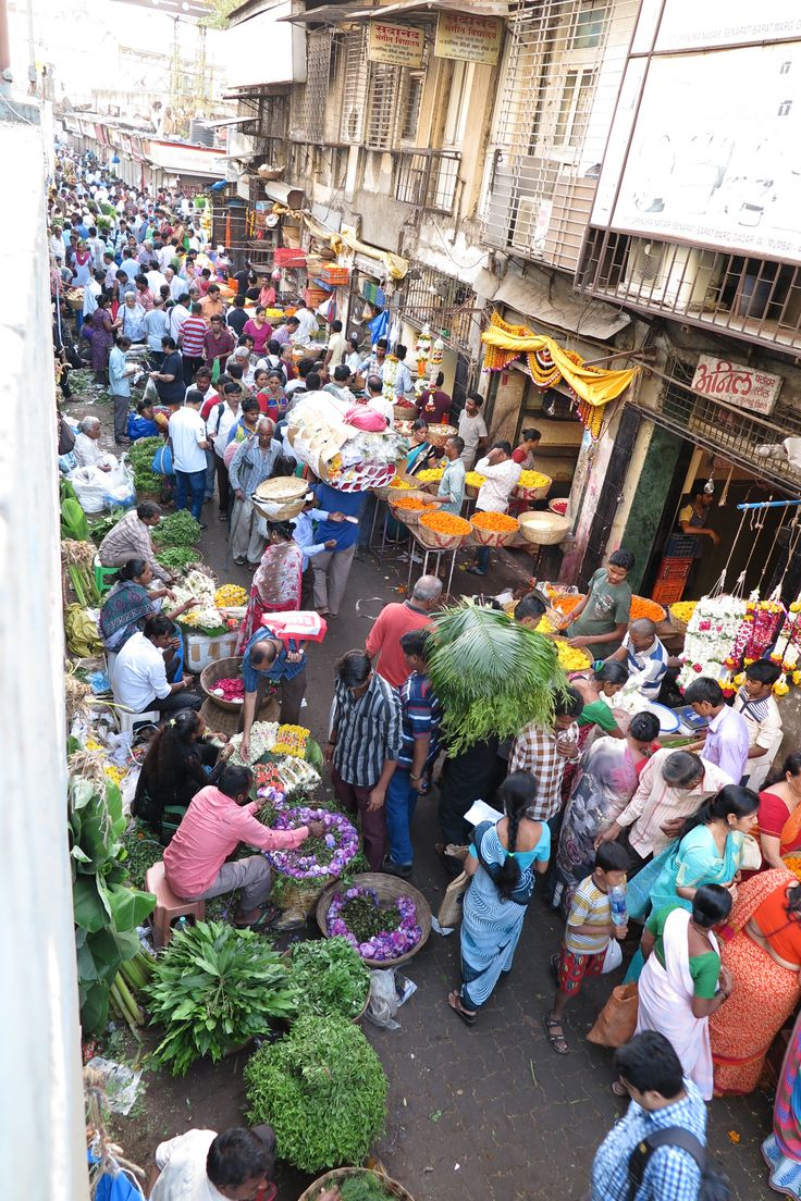 The flower markets early in the morning is a crazy place as the buyers come to make their purchases. The smell is magical.