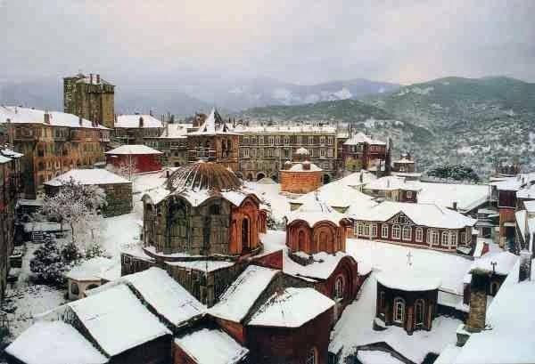 Το Βατοπαίδι χιονισμένο - Vatopedi under snow