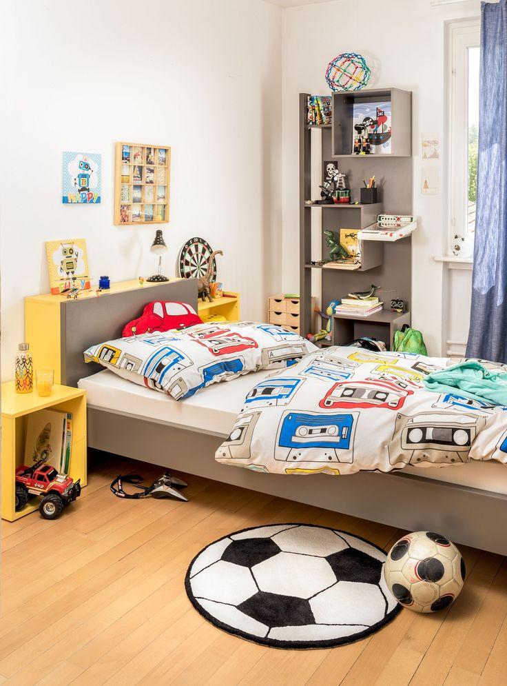 kinderzimmer mit bett grau auch in weiss erh ltlich und regal aus dem programm flyn micasa. Black Bedroom Furniture Sets. Home Design Ideas