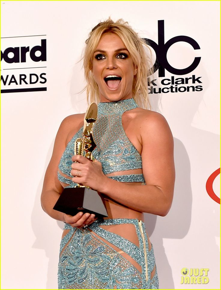 britney spears family shows support billboard music awards 2016 02