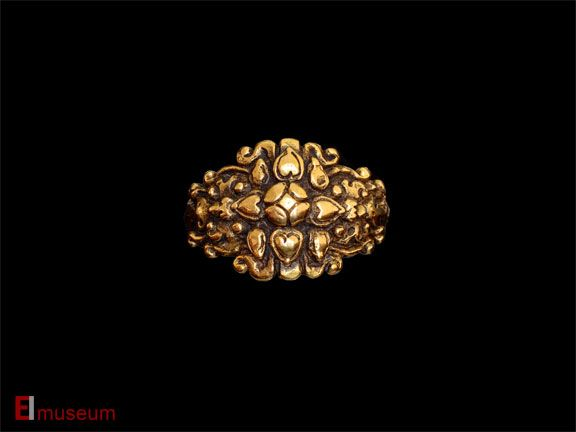 Java gold ring - East Indies Museum
