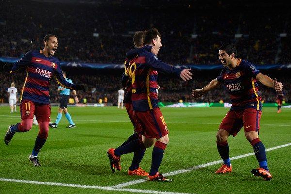 Sendos dobletes de Messi y Suárez llevan al Barcelona a octavos de final