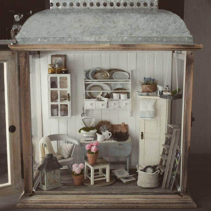 859 vind-ik-leuks, 38 reacties - Salla Heikkilä (@slallaheikkila) op Instagram: '#miniature #handmade #lantern #decoration #dollhouseminiatures #dollhouse #nukkekoti #lyhty…'