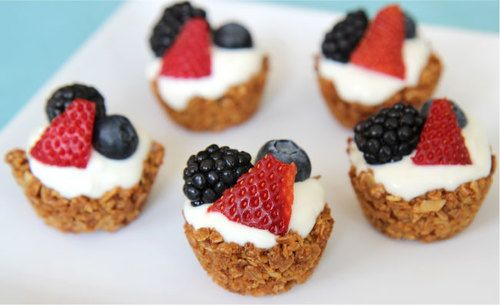 Granola Cups Recipe- An easy breakfast granola cup made from Sweet Home Farm Honey Nut Granola, yogurt and fresh mixed berries!