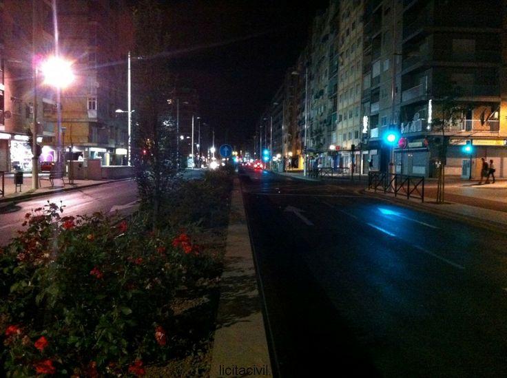 Obras del metro de #Granada de noche