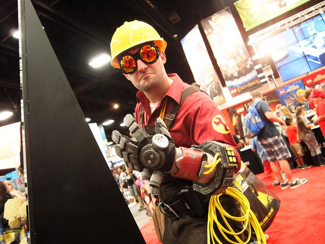 The Engineer cosplay. TF2. VALVE.