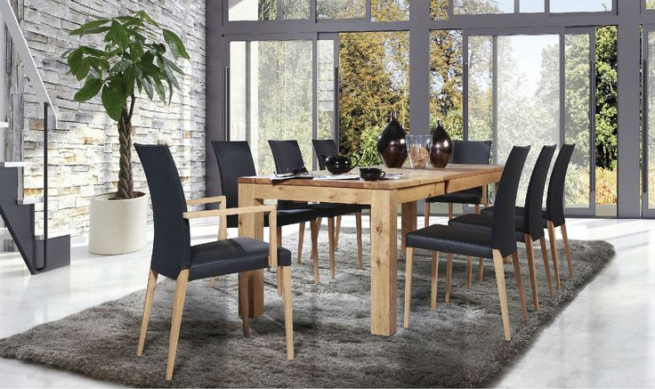 A T8 table and S41 chairs, solid wood is a guarantee of high quality, durability and outstanding longevity. #DinningRoomFurniture #KloseFurniture #WoodenFurniture