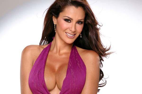 Mira cómo enloqueció esta actriz y cantante mexicana en un camerino