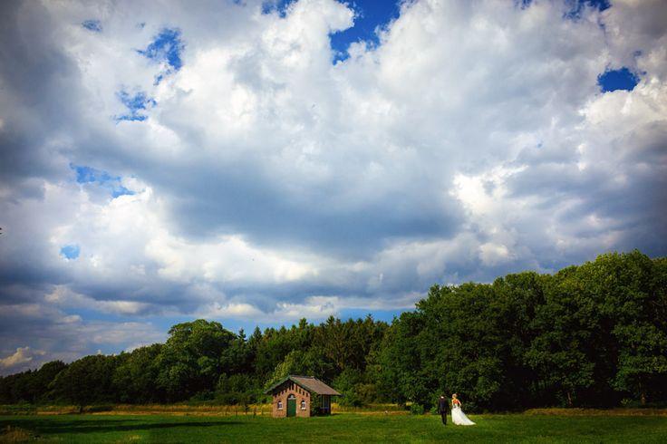 Brautppaarshooting als Landschaftsporträt