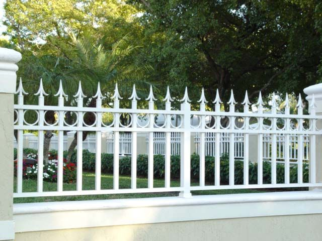 Top quality materials are supplied, which means our fences are built to last. And, as an output of Fences Charleston sc, our carefully-crafted boundary fencing is both safe and secure and pleasing on the eye. Cost effective, our close board fencing range is ideal for all industrial and commercial properties where low to medium security is the priority.