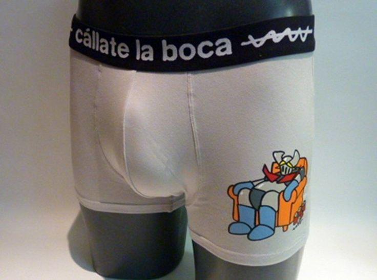 Boxer callate la Boca. Boxer en tono gris con estampación de Mazinger Z en el muslo izquierdo - Ref: 46465 GRIS. #calzoncillos #hombre #modahombre #ropainterior http://www.varelaintimo.com/marca/5/callate-la-boca
