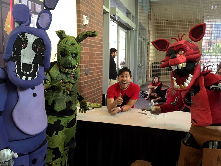 Markiplier and Five Nights at Freddy's cosplay<-- Aww~ :-D