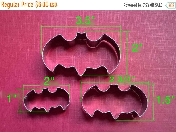 ON SALE Batman Cookie Cutter 3 Piece Set Cookies by PatchesOhoul