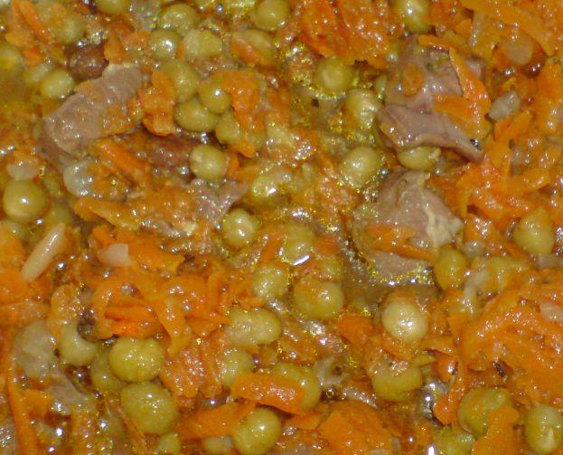 Házias receptek : Parasztos disznószív tokány zöldborsóval és gyömbérrel