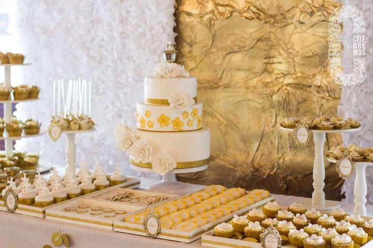 Gold first communion party ideas communion dessert - Decoration table de communion ...