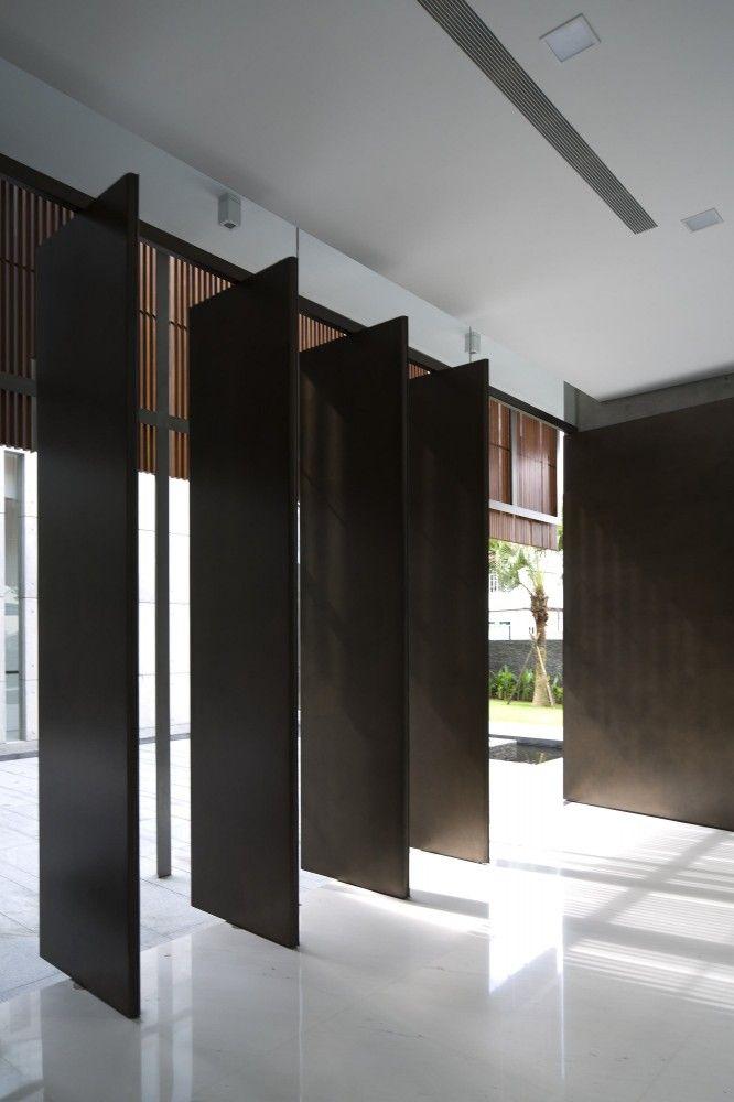 best 25 pivot doors ideas on pinterest glass door. Black Bedroom Furniture Sets. Home Design Ideas