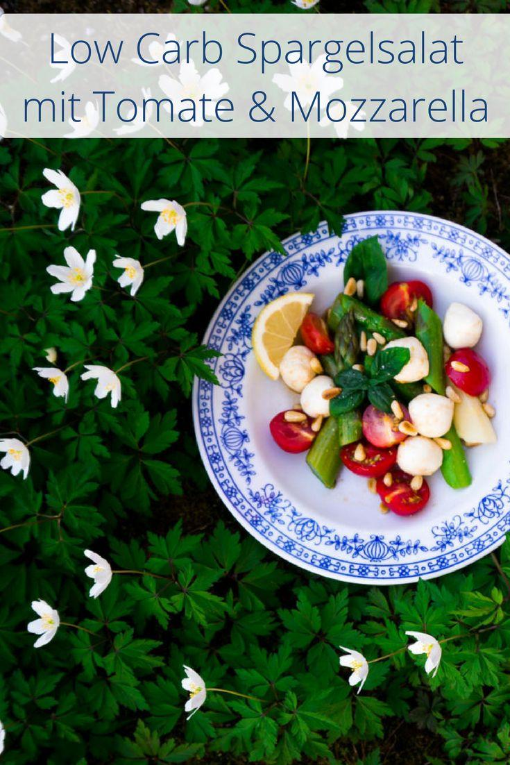 Low Carb Spargelsalat mit Tomate & Mozzarella, Pinienkernen und fruchtigem Dressing