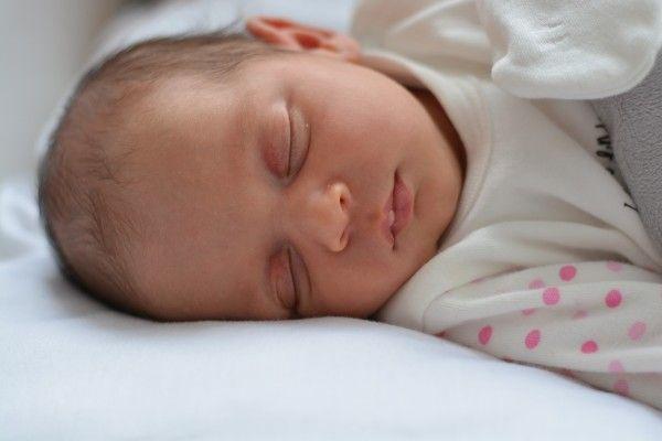 Bebeklerin uyku sorunlarının çoğunlukla beslenme sorunları olduğunu biliyor muydunuz?