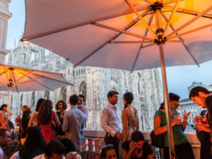 Terrazza Aperol, Duomo  Aperitivo buono. Interior da James Bond, vista sul Duomo. Cliche, ma bello.