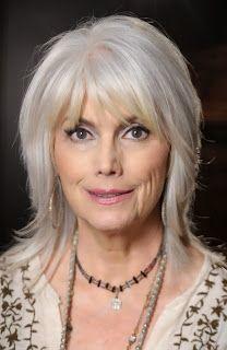 mooi jeugdig kapsel voor vrouw met grijs haar 2014