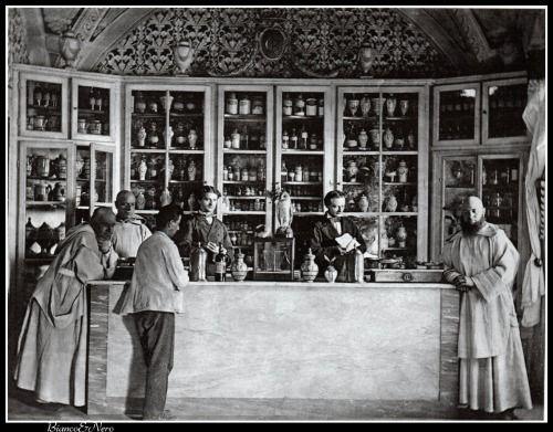 That vintage pharmacy photographs