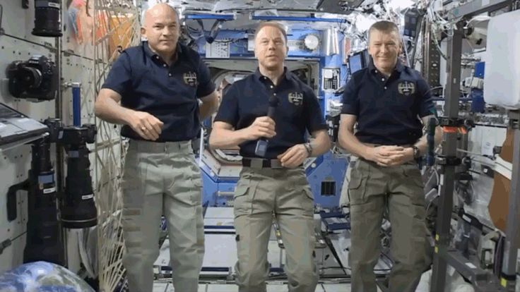 Watch Gizmodo Interview the Astronauts Living on the ISS