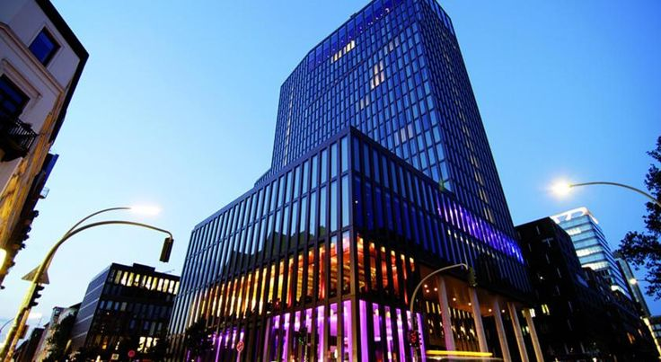 Empire Riverside Hotel Hamburg Panoramic city views, free Wi-Fi, a 200m² fitness and spa area and rooms with floor-to-ceiling windows are offered at Empire Riverside Hotel, just 100 metres from Hamburg Harbour and the Reeperbahn entertainment district.