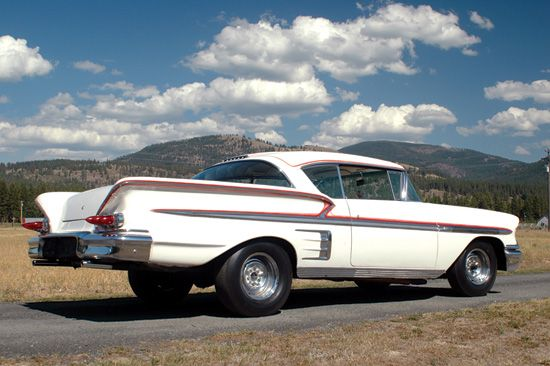 Custom 1958 Chevy Impala driven by Ron Howard in American Graffiti, 1973. http://classic-auto-trader.blogspot.com