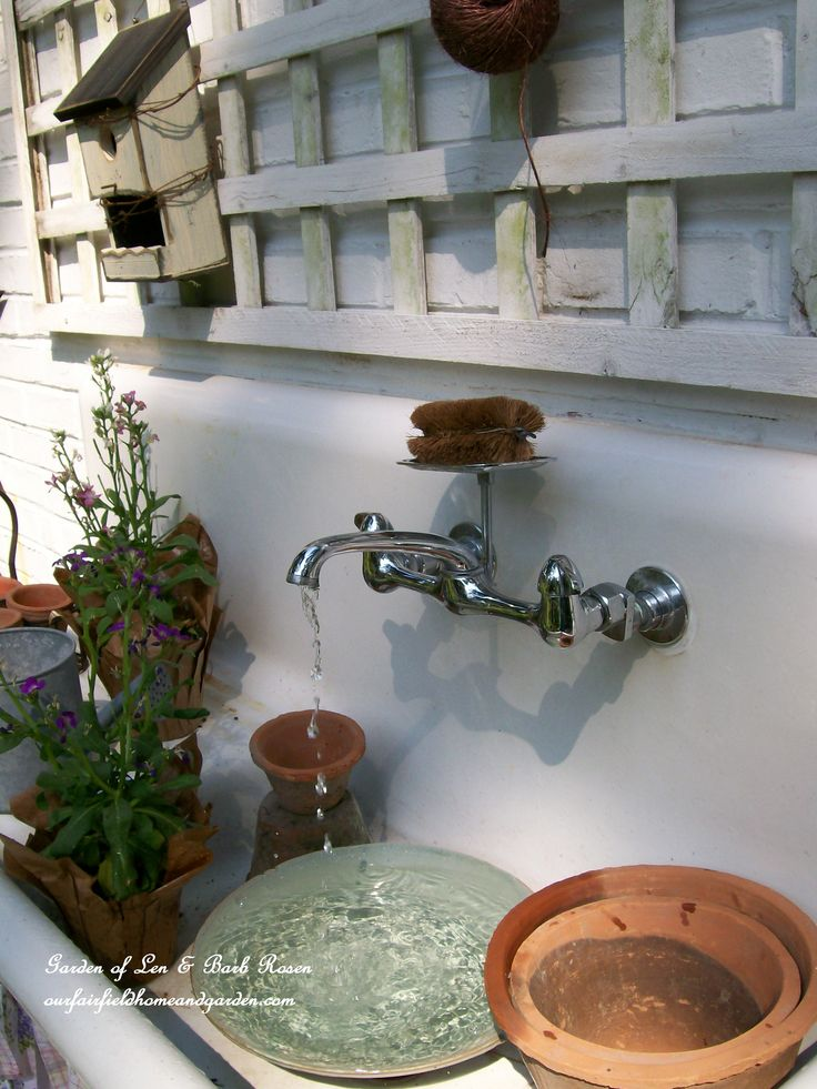 The potting sink fountain. (Garden of Len & Barb Rosen)  ourfairfieldhomeandgarden.com: Gardens Sinks, Gardens Ideas, Water Fountain, Pots Tables, Water Features, Pots Stations, Outdoor Fountain, Pots Benches, Kitchens Sinks