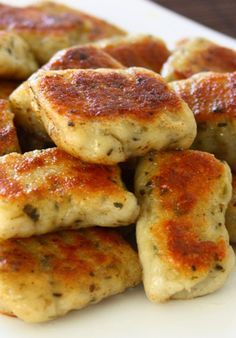 Homemade Potato Garlic Gnocchi~ OH MY DEAR GOODNESS THESE <33333 THESE LOOK DELICIOUS